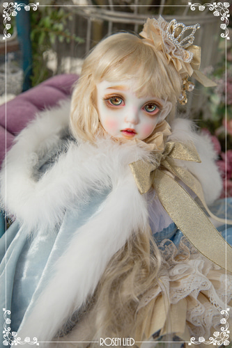 Thursday's Child Limited Rosee - Rose in Snow